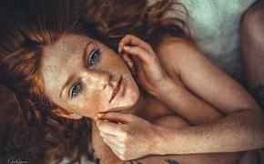 Картинка взгляд, девушка, лицо, руки, веснушки, рыжая, рыжеволосая, Annika, конопатая, Jan Neumann