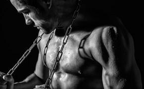 Картинка чёрно-белая, цепь, парень, монохром, мускулы