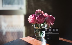 Картинка свет, стол, розы