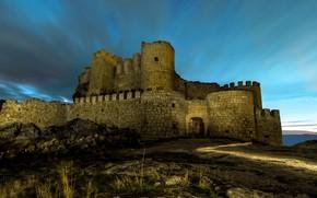 Картинка небо, свет, ночь, старина, темнота, камни, замок, стена, романтика, башня, холм, руины, кирпичи, сумерки, средневековье, …