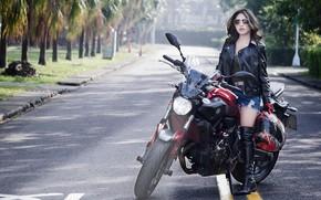 Обои девушка, мотоцикл, улица