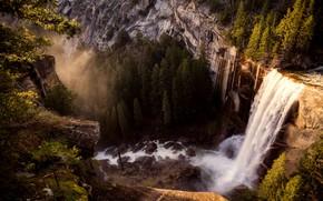 Картинка лес, деревья, горы, камни, обрыв, скалы, высота, водопад, Калифорния, США, Йосемити, Yosemite National Park
