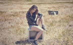 Картинка поле, модель, кеды, куртка, телевизоры, Clementina Aliberti