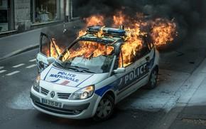 Картинка огонь, пламя, улица, автомобиль, полицейский