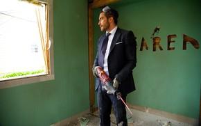 Картинка cinema, Jake Gyllenhaal, saw, movie, film, suit, tie, goggles, refurbishment, Demolition, electric saw