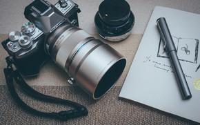 Обои ручка, стол, фотоаппарат, камера, OLYMPUS
