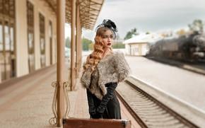 Картинка девушка, станция, железная дорога