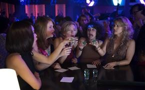 Картинка Scarlett Johansson, cinema, girl, woman, bar, movie, brunette, blonde, drink, film, Zoë Kravitz, Kate McKinnon, …