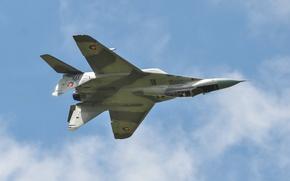 Обои МиГ-29, ВВС Словакии, полёт, истребитель, MiG-29