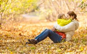 Картинка autumn, hug, son, Mother
