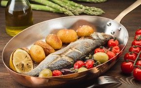 Картинка рыба, помидор, розмарин, сковорода, картофель