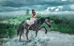 Картинка вода, девушка, цветы, брызги, река, настроение, конь, лошадь, платье, наездница, Ласточкина