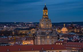 Обои небо, вечер, огни, город, крыши, Дрезден, Германия, дома, церковь