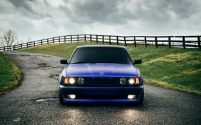 Картинка BMW, Classic, Blue, Front, E34, 540i, Hella, Sight