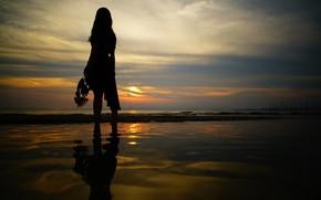 Картинка море, небо, девушка, закат, ночь, прогулка