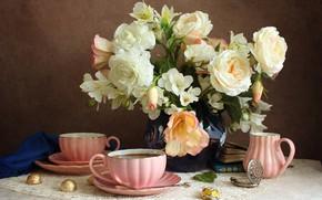 Картинка цветы, часы, книги, розы, конфеты, чаепитие, чашки, ваза, салфетка, альстрёмерия, молочник