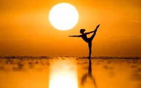 Обои закат, танец, солнце, Kim Henry, настроение, море