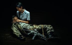 Картинка девушка, оружие, солдат, ранение