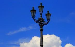 Картинка небо, облака, город, фонарь