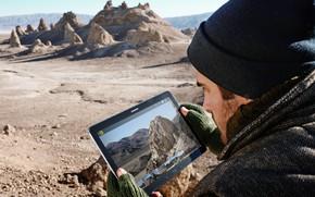 Картинка rock, desert, man, hi-tech, tecnology, sabaku, tablets, Samsung Galaxy Tab S