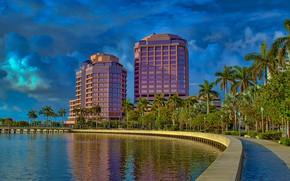 Обои США, облака, набережная, здания, солнце, Флорида, залив, деревья, дома, небо, West Palm Beach, пальмы