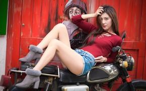 Картинка мотоцикл, восточная девушка, лицо, ножки, волосы