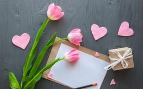 Картинка цветы, подарок, сердечки, тюльпаны, розовые, wood, pink, flowers, romantic, hearts, tulips, gift, spring