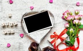 Картинка любовь, цветы, фото, розы, букет, рамка, лепестки, подарки, сердечки, love, vintage, photo, wood, pink, romantic, …