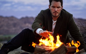 Обои природа, огонь, вечер, костёр, Vanity Fair, Chris Pratt, Mark Seliger, Крис Пратт