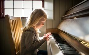 Обои свет, девочка, пианино