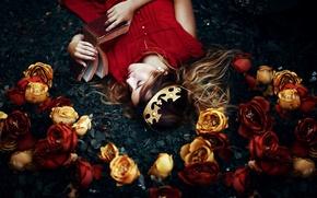 Обои девушка, цветы, сон, корона, книга, Ronny Garcia, My wonderland
