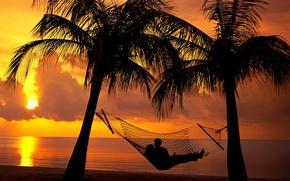 Картинка relax, girl, beach, twilight, sky, trees, sea, sunset, clouds, evening, boy, mood, dusk, holiday, shadows, …