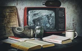 Картинка книги, телевизор, кружка, противогаз