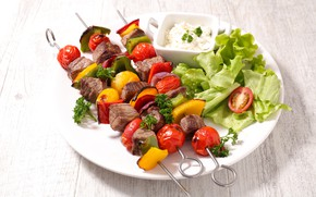 Картинка стол, тарелка, мясо, овощи, боке, салат, шашлыки