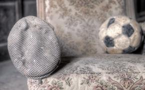 Картинка мяч, кресло, кепка