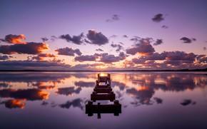 Обои небо, озеро, отражение, опоры моста