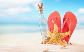 Картинка песок, море, пляж, лето, солнце, бутылка, ракушки, summer, beach, каникулы, sand, сланцы, vacation, starfish, seashells