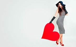 Картинка девушка, поза, фон, праздник, красное, сердце, шляпа, макияж, фигура, стройная, платье, прическа, туфли, перчатки, шатенка, …
