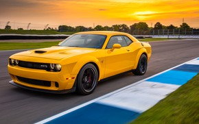 Картинка Dodge, Challenger, гоночный трек, 2018, Hellcat, SRT, Widebody