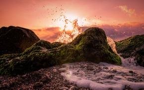 Картинка закат, брызги, камни, побережье