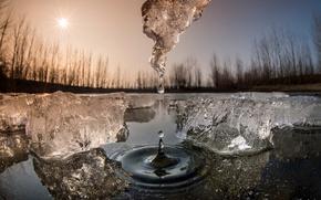 Обои весна, солнце, лёд, капля, вода, макро