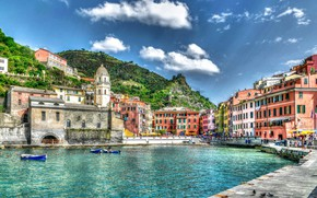 Картинка Clouds, Italy, Cities, Vernazza, Boats, Houses, Hafen