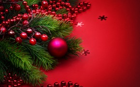 Картинка праздник, шары, новый год, бусы, украшение, ветки ели