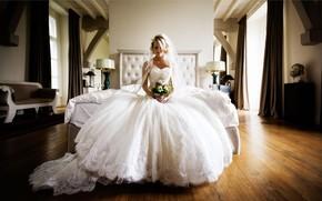 Картинка девушка, комната, букет, платье, невеста, Florian Weiler