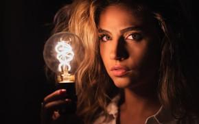Картинка взгляд, лампочка, девушка, лицо