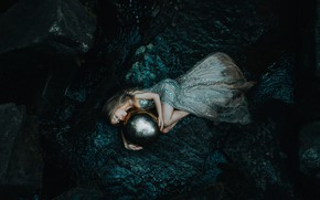 Картинка девушка, шар, сон, платье, спящая, Daughter of the sea