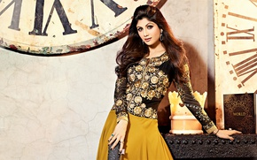 Картинка girl, dress, smile, beautiful, beauty, hair, brunette, pose, cute, indian, actress, Indian, Celebrity, bollywood, sari, …