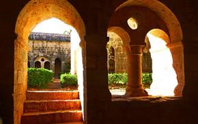 Картинка Ле-Тороне, монастырь, ступени, Тороне, Франция, арка