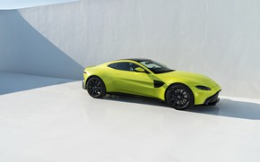 Картинка Aston Martin, Vantage, вид сбоку, 2018