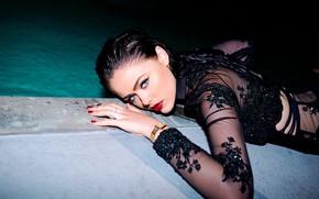 Обои взгляд, девушка, модель, бассейн, голубоглазая, красные губы, Kristina Bazan, Кристина Базан